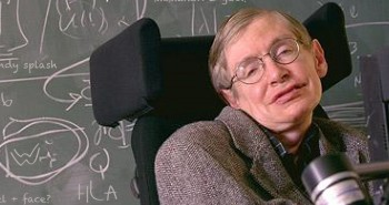 Stephen Hawking quiere ser villano de James Bond